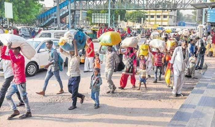 Exodus of Thousands of Migrant Workers From UP, Bihar Puts Gujarat on Edge; BJP, Oppn Indulge in War of Words