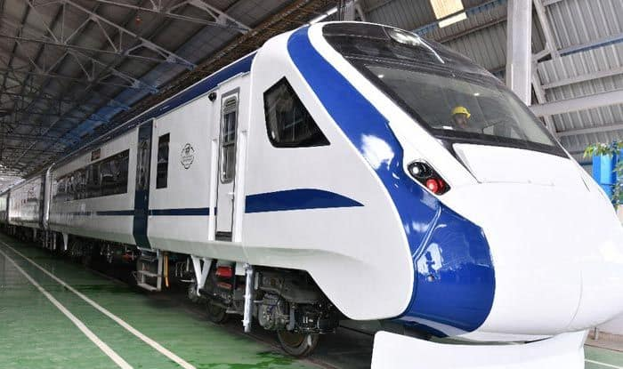 Train 18: India First Engine-less Train's Trial Run on Bareilly-Moradabad Section in Uttar Pradesh Today