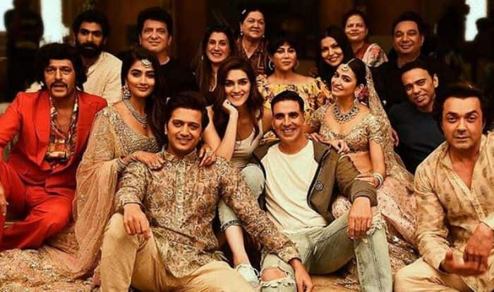 It's a Wrap, But Fun Never Ends: Akshay Kumar Says While Sharing Picture of Housefull 4 Team