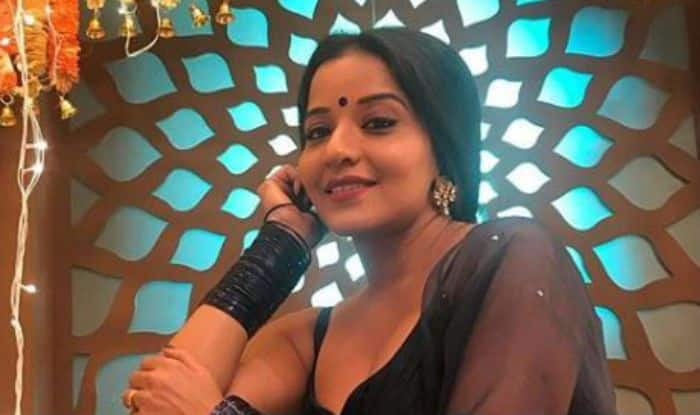 Bhojpuri Sizzler And Nazar Fame Monalisa Looks Apologetically Hot in Midnight Blue Ethnic Wear – See Pictures