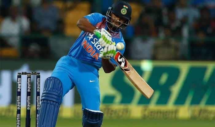 4th ODI: Shikhar Dhawan Comes in Defence of Rishabh Pant, Says We Need to Have Patience With Young Wicketkeeper