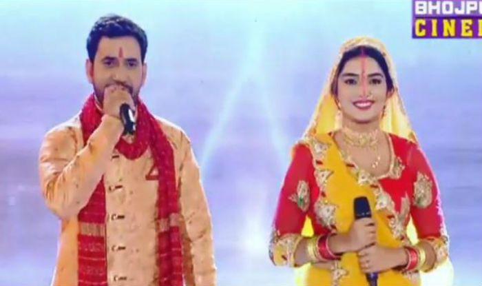 Bhojpuri Actors Amrapali Dubey And Nirahua's Stage Dance Performance on Chhath Puja Show 'Jai Chhathhi Maiyya' is Unbeatable, Watch