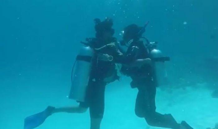 Bigg Boss Contestant And Komolika of Kasautii Zindagii Kay, Hina Khan Performs Underwater Romantic Ball Dance With Rocky Jaiswal, Watch