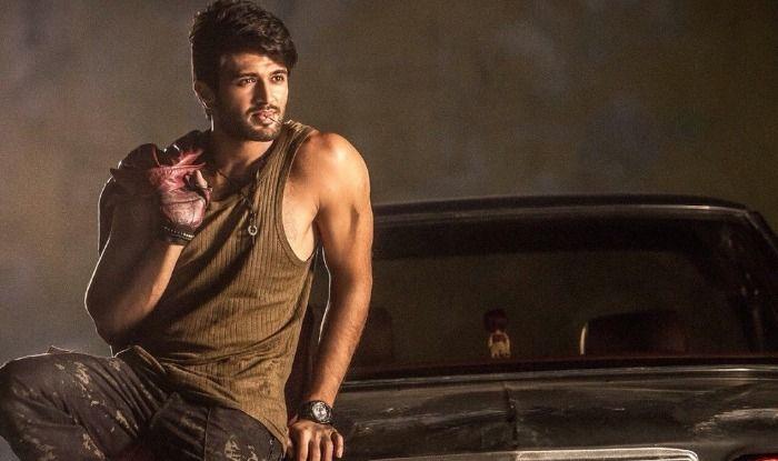 Taxiwaala Full Movie Leaked Online: Tamil Rockers Leak Vijay Devarakonda's Latest Film Before Its Release