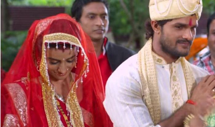Bhojpuri Hot Jodi Khesari Lal Yadav And Akshara Singh's Song Deg Dhara Ae Bahu Goes Viral, Watch