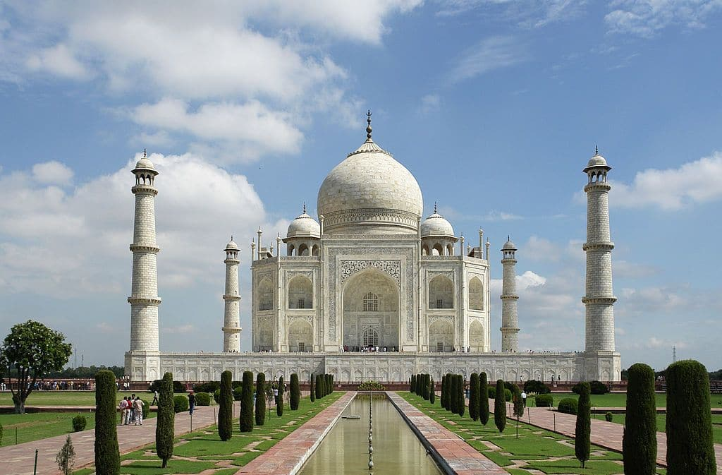 Taj Mahal Turning Yellow For Pollution; Special Air-Purifier Van Deployed
