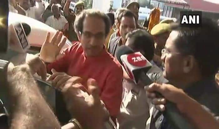 Uddhav Thackeray in Ayodhya: Shiv Sena Chief Performs Aarti Along Sarayu Bank