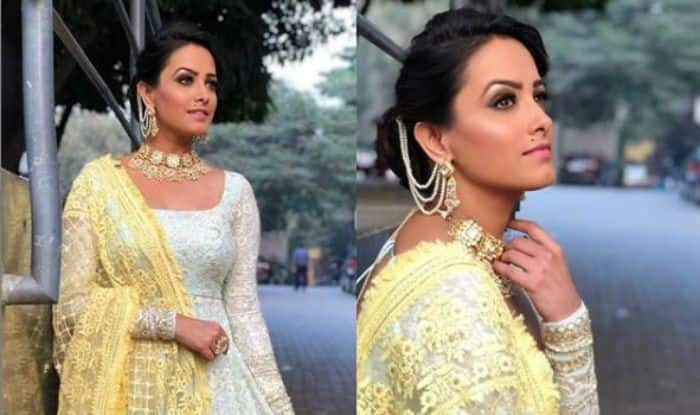 Naagin 3 Fame Anita Hassanandani Looks Smoking Hot in Pastel Green Anarkali in Her Latest Picture
