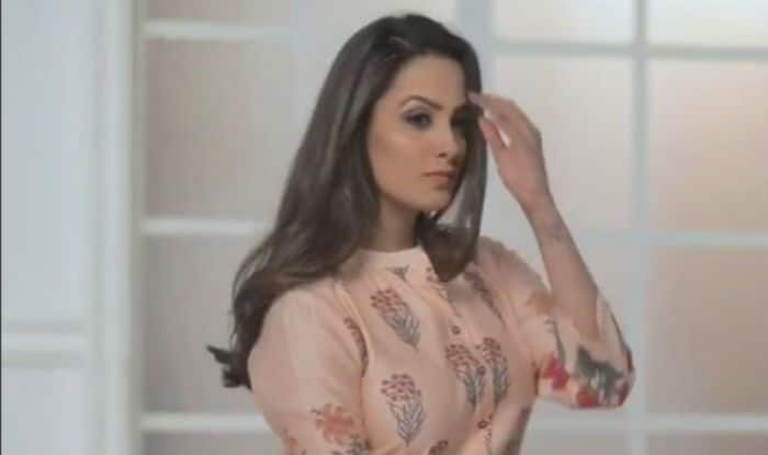 Naagin 3 Fame Anita Hassanandani Looks Smoking Hot as She Showcases Her Festive Ready Chic Avatar in This Video – Watch
