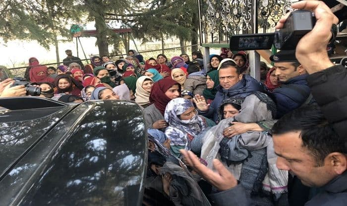 J&K: Mehbooba Mufti Warns Police After Meeting Terrorist's Family, Says Won't Allow Bloodshed in South Kashmir