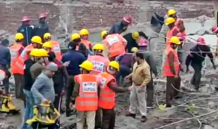 Gurugram: Eight Persons Feared Trapped as Building Collapses in Ullawas; Three NDRF Teams at Spot