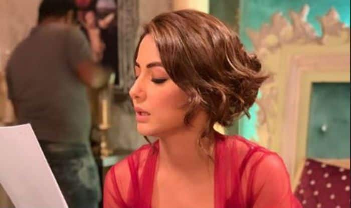 Bigg Boss Fame Hina Khan Looks Hot AF in Sexy Red Nightgown as She Rehearses Her Lines On the Sets of The Show