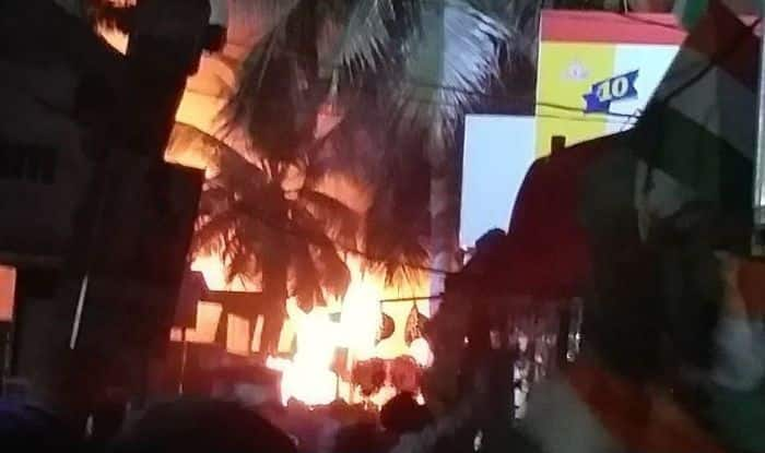 Massive Fire Breaks Out at All India Industrial Exhibition in Hyderabad's Nampally; Several Stalls Gutted