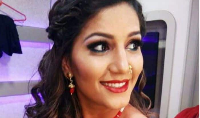 Haryanvi Dancer Sapna Choudhary's Hotness in Golden Outfit And Red Lips is What You Can't Miss, See Pics