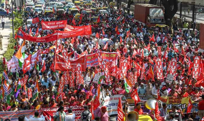 Two-Day Bharat Bandh: Day 1 Evokes Mixed Response, Violence Reported in 5 States; Strike to Continue Today