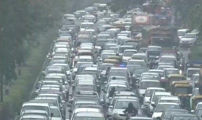 Heavy Rain, Hailstorm Leads to Waterlogging, Traffic Snarls in Delhi-NCR