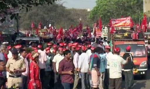 Maharashtra Farmers Call Off Protest After Government Promises to Fulfil Their Demands in 2-3 Months