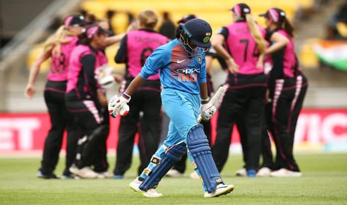 1st T20I: India Women Lose by 23 Runs Despite Smriti Mandhana's Record Fifty Against New Zealand Women