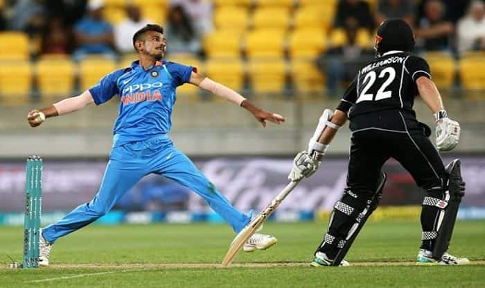 India vs New Zealand Live Cricket Score 5th ODI Westpac Stadium: Chahal Double Puts India on Top as New Zealand Stutter in 253 Chase