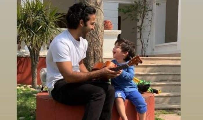 Taimur Ali Khan plays the Ukulele