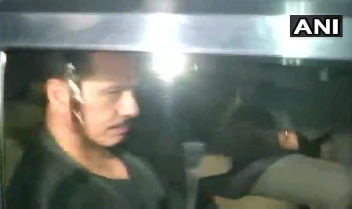 Robert Vadra Quizzed by ED For 8 Hours in Money Laundering Case; to be Interrogated Again on Monday
