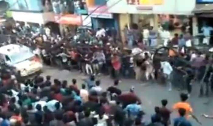 Dancing Crowd makes way for ambulance in Kerala