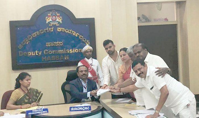 Prajwal Revanna filing nomination papers