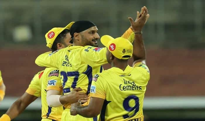 Indian T20 League, Match 1 Report: Harbhajan Singh, Imran Tahir Star as Chennai Thump Bangalore by 7 Wickets to Start Campaign on Winning Note