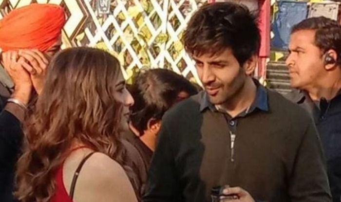 Sara Ali Khan and Kartik Aaryan on sets of Love Aaj Kal 2