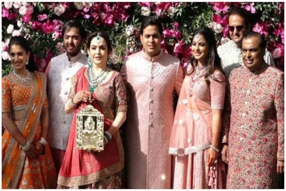 I-T Dept Issues Notices to Mukesh Ambani, Family Under Black Money Act:  Report | India.com
