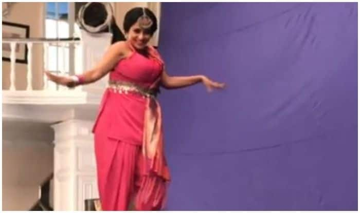 Bhojpuri Actress Monalisa's Sexy 'Harness' Dance Makes Fans Ogle, Video Goes Viral