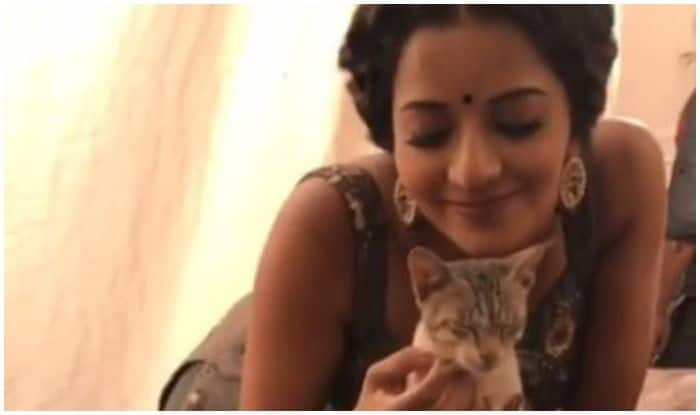 Bhojpuri Bombshell Monalisa's New Hangout Friend 'Miumiu' is Too Awwdorable For Fans to Handle And THIS Video is Proof!