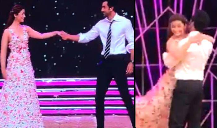 Zee Cine Awards 2019: Alia Bhatt And Ranbir Kapoor Perform a Romantic Dance on Stage as Everyone Goes Awww