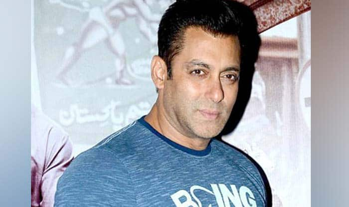 Salman Khan Slaps Security Guard For Being Rough With a Kid, Netizens Divided Over His Behavior