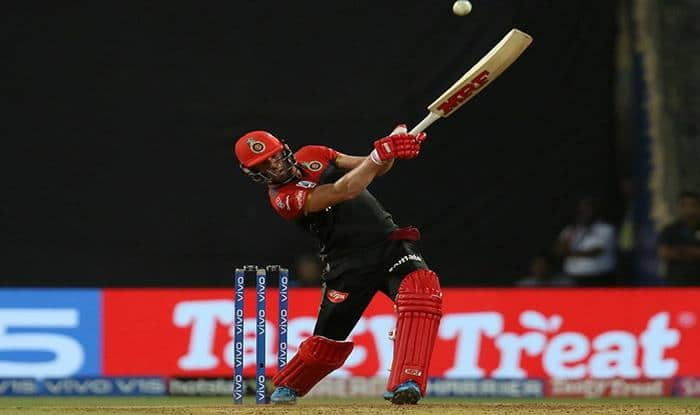 IPL 2019: AB de Villiers Smashes Lasith Malinga For Huge Six Into The Stands, Twitter Lauds Mr. 360 Return at Wankhede | WATCH VIDEO