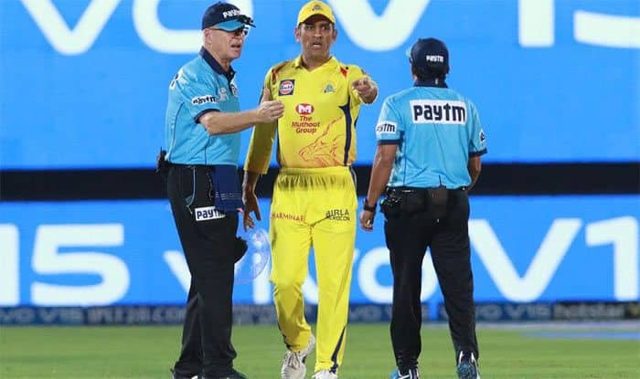 IPL 2019: Jos Buttler Slams MS Dhoni For On-Field Outburst Against Umpires During Match 25 vs Rajasthan Royals