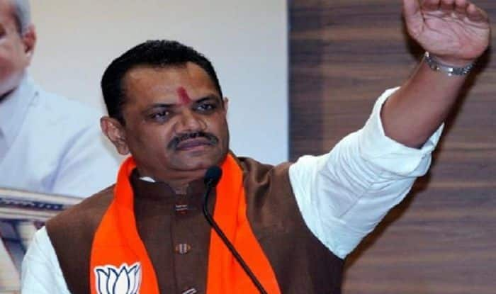 Foot in Mouth: GujaratBJPChief Jitu Vaghani Abuses Congress, Asks People to Vote For 'Lotus'