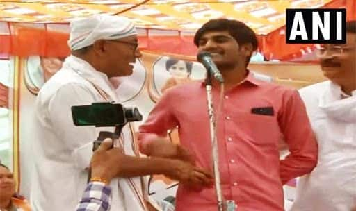 'Modi ji Killed Terrorists,' Man Stuns Digvijaya on Stage When Asked to Prove if he Got Rs 15 Lakh