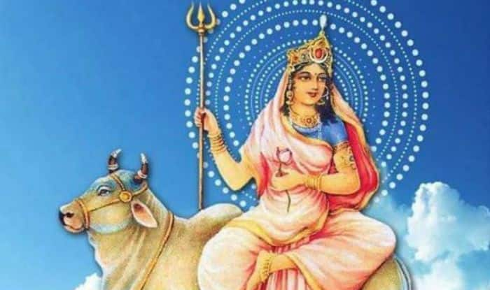 Chaitra Navratri 2019 Day 1: Worship Goddess Shailputri With The Colour of Red