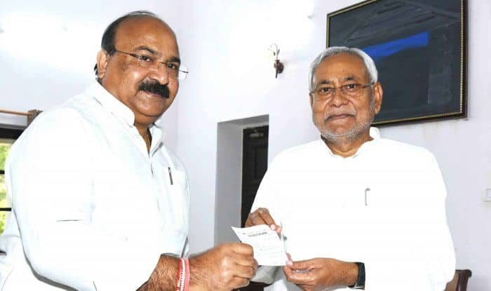 Sunil Kumar Pintu with Nitish Kumar