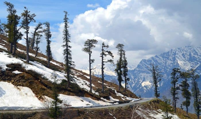 Why Every Traveller Must go on The Bhrigu Lake Trek