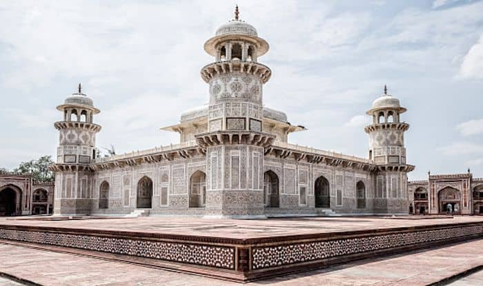 Why You Must Visit The Tomb of I'timad-ud-Daulah in Agra