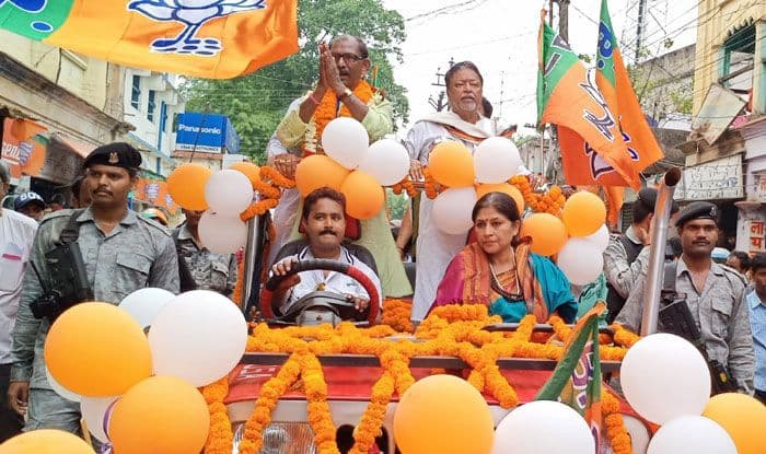BJP leaders Mukul Roy and Roopa Ganguly