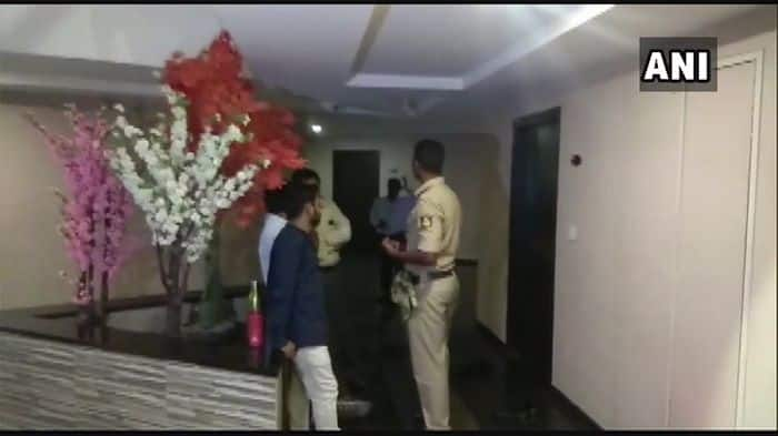 IT Sleuths Raid Hotel in Karnataka's Ballari Where Congress Leader Anil Lad Stayed