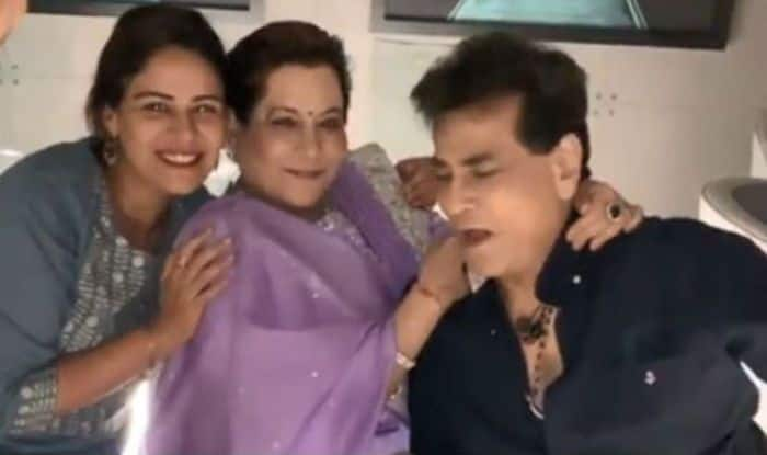 Jeetendra's 77 Birthday: Ekta Kapoor, Shobha Kapoor, Mona Singh And Others Dance With The Birthday Boy, Watch