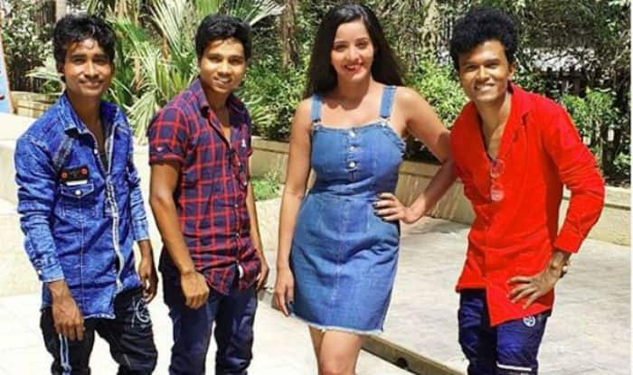 Bhojpuri Bombshell And Nazar Actor Monalisa Dances to Kalank's 'First Class', Watch Sexy Moves