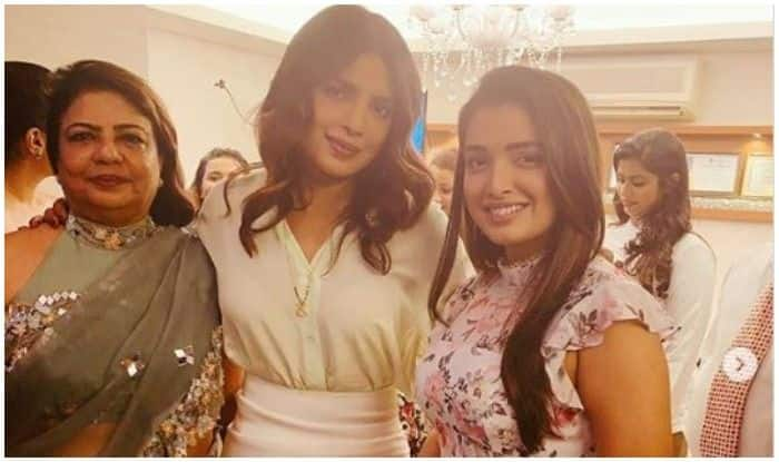 Bhojpuri Bomb Amrapali Dubey Poses With Priyanka Chopra at The Launch of Her Mother's New Venture