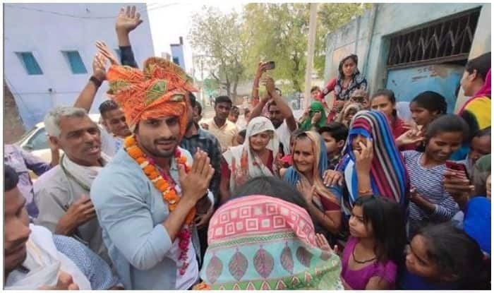 With Folded Hands, Prateik Babbar Campaigns For His Father Raj Babbar in UP's Fatehpur Sikri