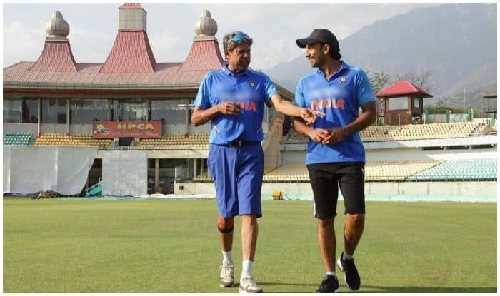 Ranveer Singh Learns The Ropes of 'Becoming The Hurricane' at Master Kapil Dev's Feet And THIS Picture is Proof