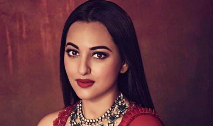 Sonakshi Sinha in Legal Trouble! UP Police Visit Her Mumbai Residence Following The Fraud Case